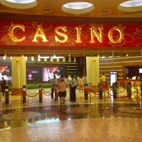 Photo taken at Resorts World Sentosa Casino by DwinZ on 4/11/2013