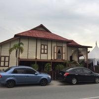 Photo taken at Rumah Tamu Datin Halijah @ Naili's Place Sentul by mamat H. on 12/10/2016