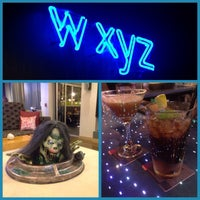 Photo taken at w xyz Lounge by Zianny R. on 10/29/2015