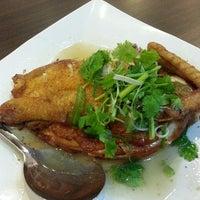 Photo taken at Fatty Chong Restaurant by Eddie T. on 12/7/2013