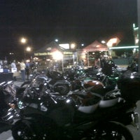 Photo taken at Quaker Steak & Lube by Dan D. on 11/14/2012