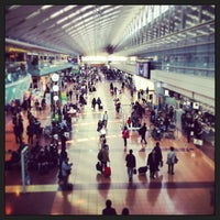 Photo taken at Tokyo (Haneda) International Airport (HND) by T岡 on 3/15/2013