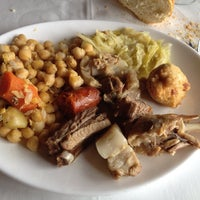 Photo taken at Restaurante El Castillo by Paco S. on 2/25/2014