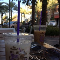 Photo taken at The Coffee Bean & Tea Leaf by Jhoannarose I. on 8/24/2015
