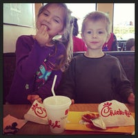 Photo taken at Chick-fil-A Culpeper Colonnade by Sheryl S. on 3/19/2013