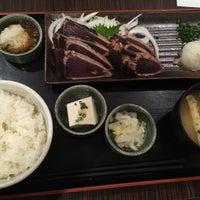 Photo taken at 焼魚食堂 魚角 学芸大学店 by Aoi F. on 7/31/2016