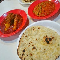Photo taken at Usman Restaurant by CounteSs Wnf on 8/17/2015