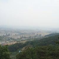 Photo taken at 후곡산 느티나무 쉼터 by sesajoon on 6/8/2014