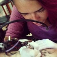 Photo taken at Cia da Tattoo by Raf G. on 1/14/2013