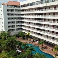 Photo taken at Hatyai Paradise & Resort Hotel by Yuwaret K. on 9/22/2013
