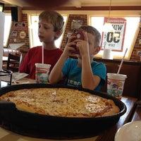 Photo taken at Pizza Hut by Steve E. on 10/6/2013