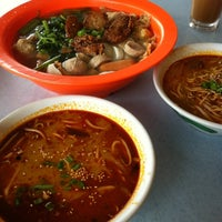 Photo taken at Choy Kee KL Ampang Yong Tau Foo 吉隆坡安邦娘酿豆腐 by Rachel on 12/16/2012