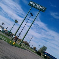 Photo taken at Walmart Supercenter by アケダ 須. on 10/7/2012