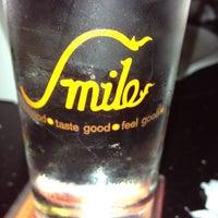 Photo taken at Smile Pub & Restaurant by ไม่ใช่คุนนาย แ. on 9/27/2012