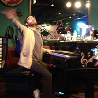 Photo taken at Pete's Dueling Piano Bar by Brett A. on 11/24/2012