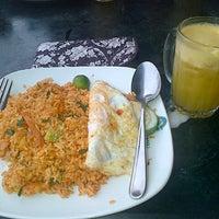 Photo taken at Restoran Original Penang Kayu Nasi Kandar by Natasha A. on 10/30/2014