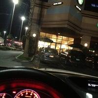 Photo taken at Starbucks by Zarutobiiz on 10/25/2012