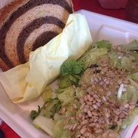Foto tirada no(a) Mix Salads por Erik Z. em 10/2/2013