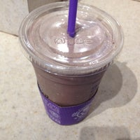 Photo taken at The Coffee Bean & Tea Leaf by Alex L. on 9/5/2014