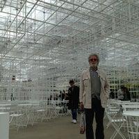 Photo taken at Serpentine Gallery by Michelangelo Z. on 6/11/2013