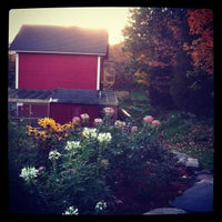 Photo taken at Catskill Mountain Country Store & Restaurant by Sally on 10/6/2012