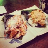 Photo taken at Sushi Temakeria Doo Doo by Leonardo R. on 7/13/2013
