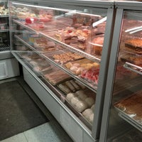Photo taken at Stockwood's Convenience & Deli (24-hour) by Dizzy on 2/11/2013