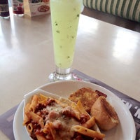 Photo taken at Shakey's by ίʓα on 2/4/2015