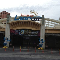 Photo taken at Sunway Lagoon by Saxon K. on 12/24/2012