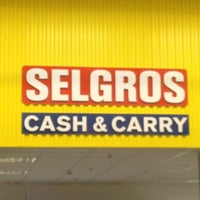 Photo taken at Selgros Cash&Carry by Tataka💘 on 3/8/2013