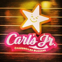 Photo taken at Carl's Jr. by Onur A. on 7/15/2013