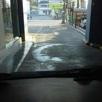 Photo taken at Jollibee Drive Thru  Carmen by abheng S. on 2/28/2014