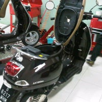 Photo taken at Piaggio Permata Hijau by Yudo Y. on 11/7/2012