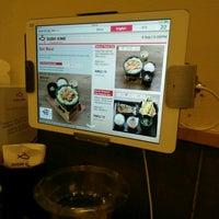 Photo taken at Sushi King by ehinazam on 9/4/2016