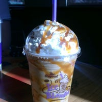 Photo taken at The Coffee Bean & Tea Leaf by Johanna B. on 4/3/2015