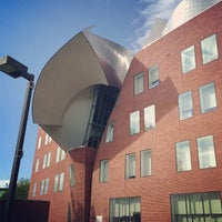 Photo taken at Weatherhead School of Management - Case Western Reserve University by Stephanie C. on 5/17/2014