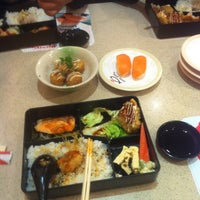 Photo taken at Sushi King by Nurule W. on 12/11/2015