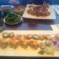Photo taken at Umi Sushi Japanese Restaurant by Fawziah Q. on 7/21/2013