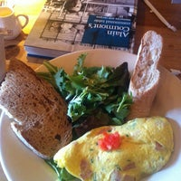 Photo taken at Le Pain Quotidien by Fabio R. on 3/5/2013