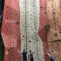 Photo taken at Earth Treks Climbing Center by Johan on 11/16/2014