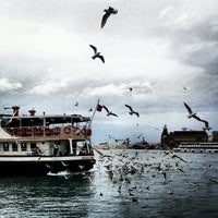 Photo taken at Kadıköy - Beşiktaş / Adalar Vapur İskelesi by Han M. on 2/8/2013