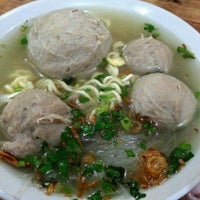 Photo taken at Bakso Jawir by Sung Lina on 7/31/2013