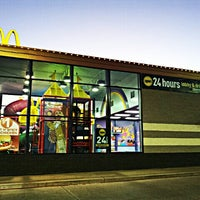 Photo taken at McDonald's by johnnyjupiter on 12/18/2012