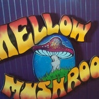 Photo taken at Mellow Mushroom Pizza Bakers by Laura K. on 10/21/2012