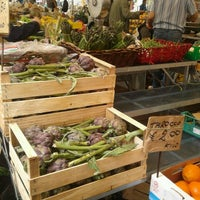 Photo taken at Campo de' Fiori by Il Luridume A. on 5/16/2013