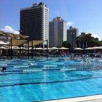 Photo taken at Gordon Swimming Pool by Tami B. on 9/21/2013