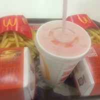 Photo taken at McDonald's by Marcelo H. on 5/31/2016