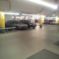 Photo taken at Parkeergarage Raaks by Naomi P. on 5/7/2013
