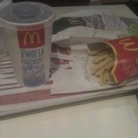 Photo taken at McDonald's by Raphaël on 10/6/2012