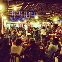 Photo taken at The Seafarer Restaurant by Jojoe F. on 12/23/2012